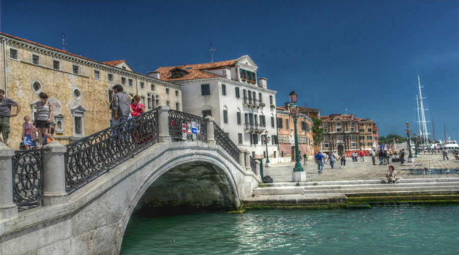 Budget City Break to Venice & Rome