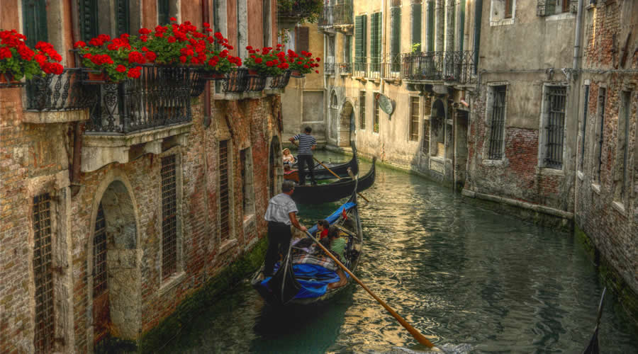 Short Budget City Break to Venice & Rome